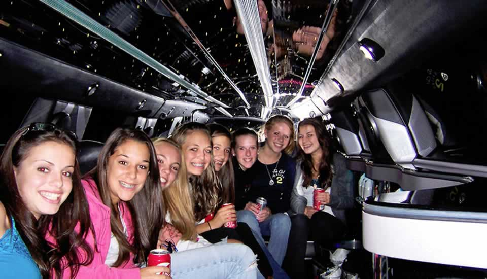 Kids Limo Parties At Frankie Amp Benny S With Limousines In