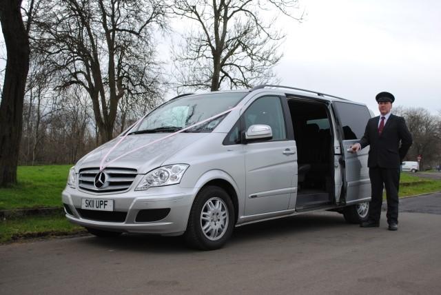 Used Mercedes Viano London >> Mercedes Viano Limos In Essex Luxury 7 Seat People Carrier